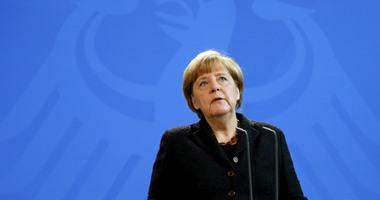 ميركل: التضامن مع فرنسا يشمل الدعم العسكرى