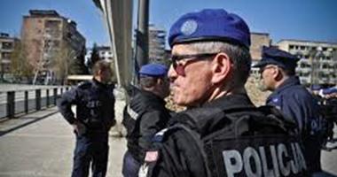 ألبان يغلقون الطريق المؤدى إلى قرية أمام الرئيس الصربى فى كوسوفو