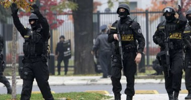 شرطة البوسنة تعثر على 17 مهاجرا داخل شاحنة جنوب غربى البلاد