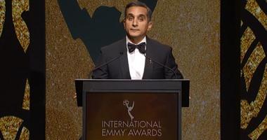باسم يوسف يحدث حالة من  الانقسام  بعد تقديمه لحفل جوائز  الإيمى