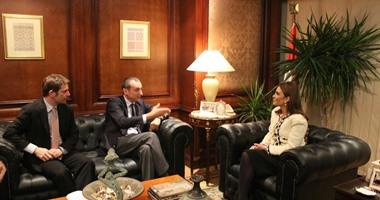 وزيرة التعاون تعرض برنامج الحكومة الاقتصادى على المفوضية الأوروبية