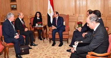 رئيس داسو الفرنسية لـالسيسى: نتطلع لتزويد مصر بمختلف الاحتياجات العسكرية