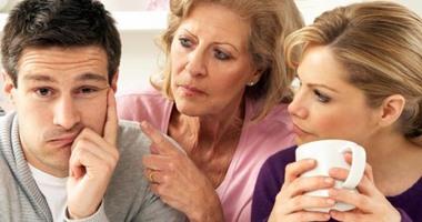 زوج يقيم دعوى نشوز ضد زوجته لإصرارها على السكن بمحل إقامة والدتها