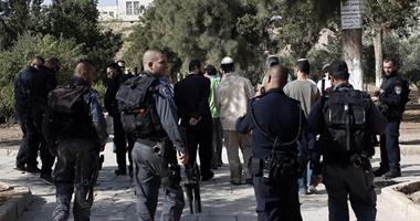 مستوطنون يقتحمون مقامات إسلامية غرب نابلس وسط حماية الجيش الإسرائيلى