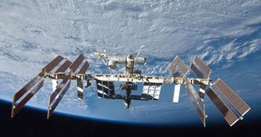 طاقم أمريكى روسى يصل إلى محطة الفضاء الدولية