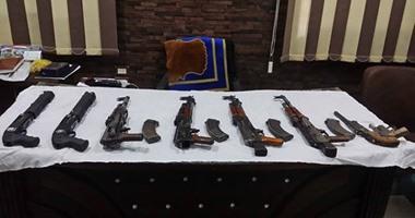 تجديد حبس عاطلين لاتهامهما بحيازة أسلحة نارية وسرقة دراجة بخارية فى الجيزة
