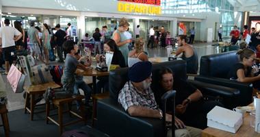 مسئول فرنسى: فصل 60 موظفا بمطار شارل ديجول نتيجة أرائهم المتطرفة