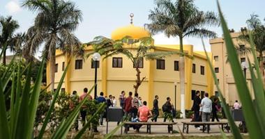 خلافات بين الطلبة وإدارة جامعة القاهرة بسبب غلق المصليات