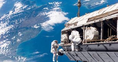 بث مباشر.. ناسا تبدأ سلسلة سير فى الفضاء لتغيير البطاريات القديمة