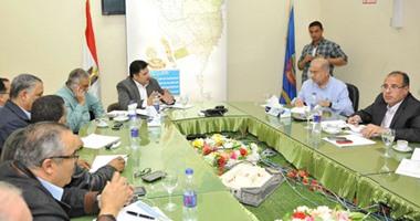 رئيس الوزراء يبحث مع قيادات محافظة البحيرة سبل مواجهة آثار السيول