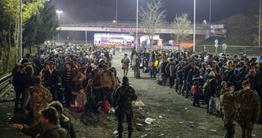 اخبار فرنسا .. أكثر من 100 مهاجر يقتحمون الحدود بين إيطاليا وفرنسا