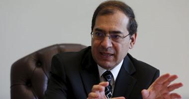 وزير البترول يستقبل العام الجديد بضخ دماء جديدة بالقطاع