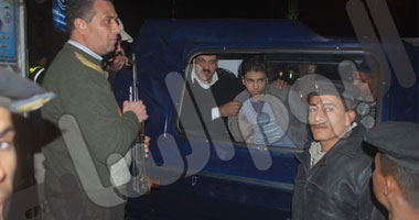 بالصور.. القبض على شاب عمره 19 عاما يحمل سلاحا آليا بالمهندسين 1122011301936.jpg