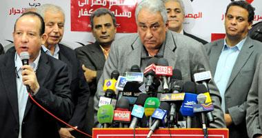 صحفيو الحرية والعدالة يهاجمون حسين الغنى لحظة دخوله الصحفيين