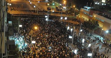 الشرطة تنسحب أمام الاتحادية.. والمتظاهرون
