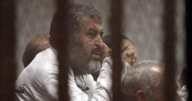 """تأجيل محاكمة بديع و71 آخرين فى """"اقتحام قسم شرطة بئر العبد"""" لـ 14 نوفمبر"""