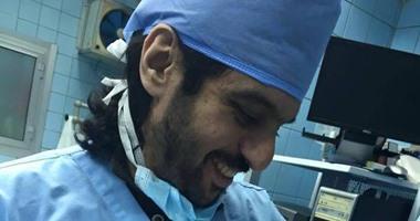"""بهاء سلطان يحتفل بولادة توأميه """"كاندى وكادى"""" داخل غرفة العمليات"""