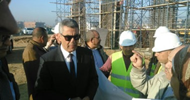 """بالصور.. وزير النقل يتفقد أعمال الإنشاء بطريق """"شبرا ـ بنها"""""""