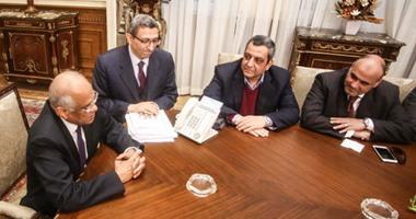 بالصور.. يحيي قلاش: لم نقدم مشروع القانون الموحد لتنظيم الصحافة خلال زيارتنا للبرلمان