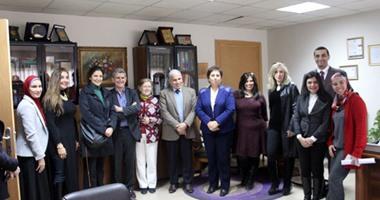 """صحافة المواطن.. الأكاديمية العربية تستقبل وفد جامعة """"أتونوما"""" الإسبانية"""