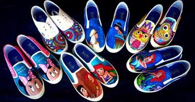 01359fe0d بالصور..الرسم على الأحذية.. موهبة فنية حولتها