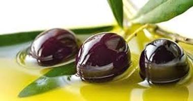 فوائد زيت الزيتون للحماية من الزهايمر ومحاربة السرطان والتجميل أيضا