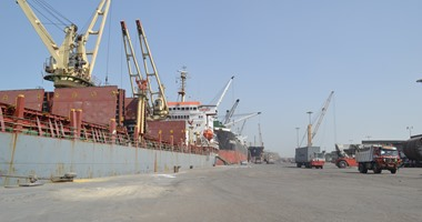تداول 273 شاحنة بضائع و78 سيارة بموانئ البحر الأحمر خلال 24 ساعة