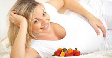 دراسة تحذر الحامل النحيفة: قلة الوزن تعرض الجنين الذكر للوفاة
