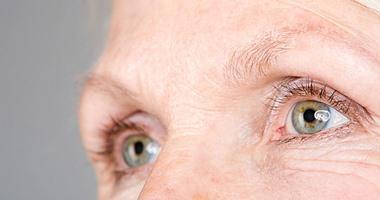3 نصائح للتغلب على التجاعيد وعلامات الشيخوخة ..أهمها شرب الماء
