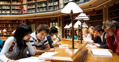 """تعرف على كتب فلسفية يمتحن فيها طلاب """"الثانوية"""" فى فرنسا"""