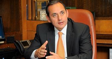 البنك الأهلى: تعميم نشر شرائح عازلة فى الفروع ضمن إجراءات الحماية من كورونا