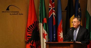 رئيس حكومة لبنان الأسبق يطالب حزب الله بعدم التدخل فى شئون الدول الأخرى