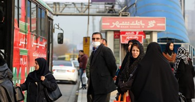 إغلاق المراكز التجارية فى طهران مع ارتفاع إصابات كورونا إلى 5%