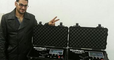 رئيس جامعة المنصورة يكرم طالبا يبتكر جهازا للكشف عن الأنفاق والمياه الجوفية