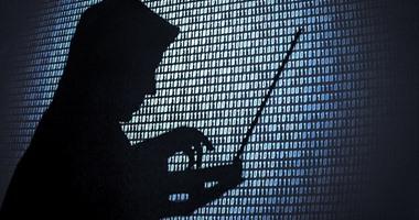 """القانون يمنح النائب العام الحق فى منع متهمى """"جرائم الإنترنت"""" من السفر"""