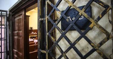 السجن المشدد من 3 لـ7 سنوات لـ10 متهمين بالسرقة بالإكراه والتزوير بالقطامية