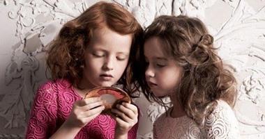 b4f0568f4af5d بالصور ملابس أطفال من على منصات الموضة ..لبسى بنتك من وحى عروض الأزياء