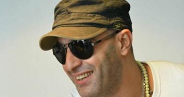 """السقا يؤدى التحية العسكرية .. ويؤكد : """"مصر أمى وأبويا.. أموت عشانها"""""""