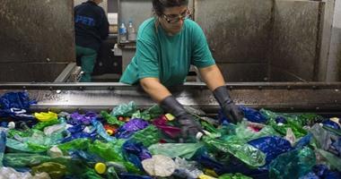 الإتحاد البلجيكى لمعالجة النفايات يندد بوقف انتاج البلاسيتك بحلول 2030