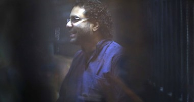 دعوى أمام القضاء الإدارى للسماح بدخول الصحف والمراسلات لعلاء عبد الفتاح