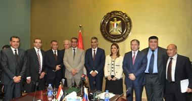 بالصور.. توقيع اتفاقية مع روسيا لتصنيع 700 عربة قطار بالمصانع المصرية