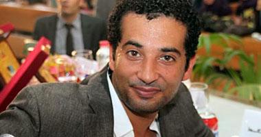 """بالفيديو.. عمرو سعد باكيا """"شهداء الجيش"""" فى سيناء: """"عاوز أحارب"""""""