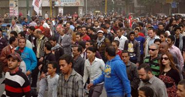 تزايد أعداد المتظاهرين بـطلعت وهتافات الإخوان والداخلية