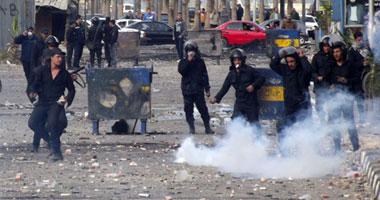 متظاهرو بورسعيد يقتحمون الميناء السياحى