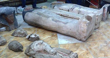 استعادة 15 قطعة أثرية مصرية مستردة من إنجلترا وتمثال من جنوب أفريقيا