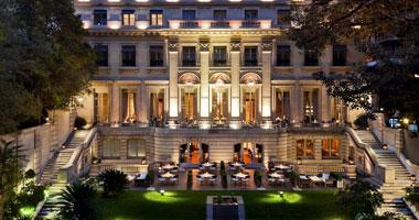 القابضة للسياحة  تتعاقد مع  موفنبيك  العالمية لإدارة فندق الفانتين بأسوان