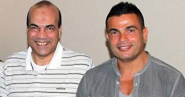 عمرو دياب يغيب عن عزاء مجدى النجار بسبب سفره إلى لندن