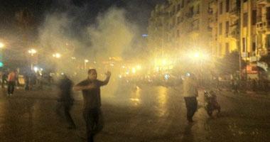 اشتباكات حامية بين المعتصمين والأمن المركزى بالتحرير اخبار وصور 162011291124