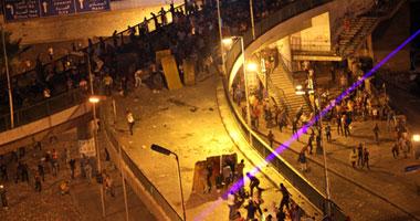 """تواصل الكر والفر بين المتظاهرين ومؤيدى المعزول بـ""""عبد المنعم رياض"""""""