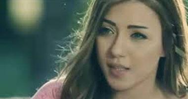 """عمرو الليثى مداعبا """"سارة سلامة"""": نشوف مشهد لـ""""الصاروخ"""" فى ابن حلال"""